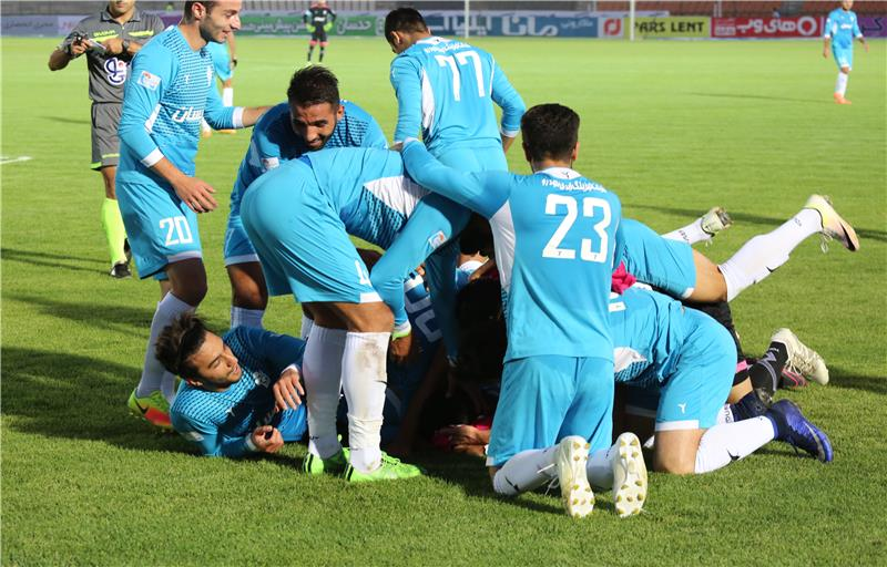 In 16th week of Iran's football league competitions  Paykan and Gostaresh foolad satisfied to draw by result1-1.